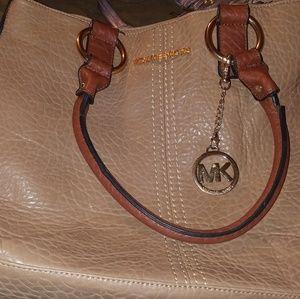 Non authentic MK purse
